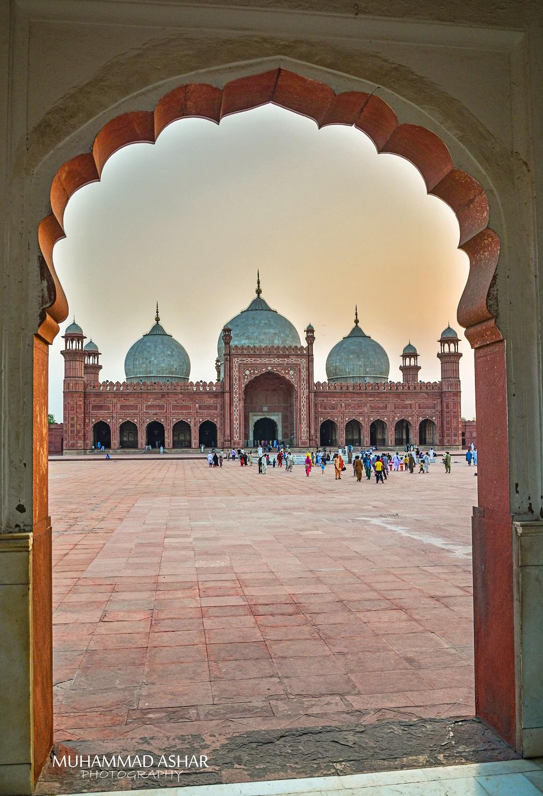 Famous Badhshai Masjid