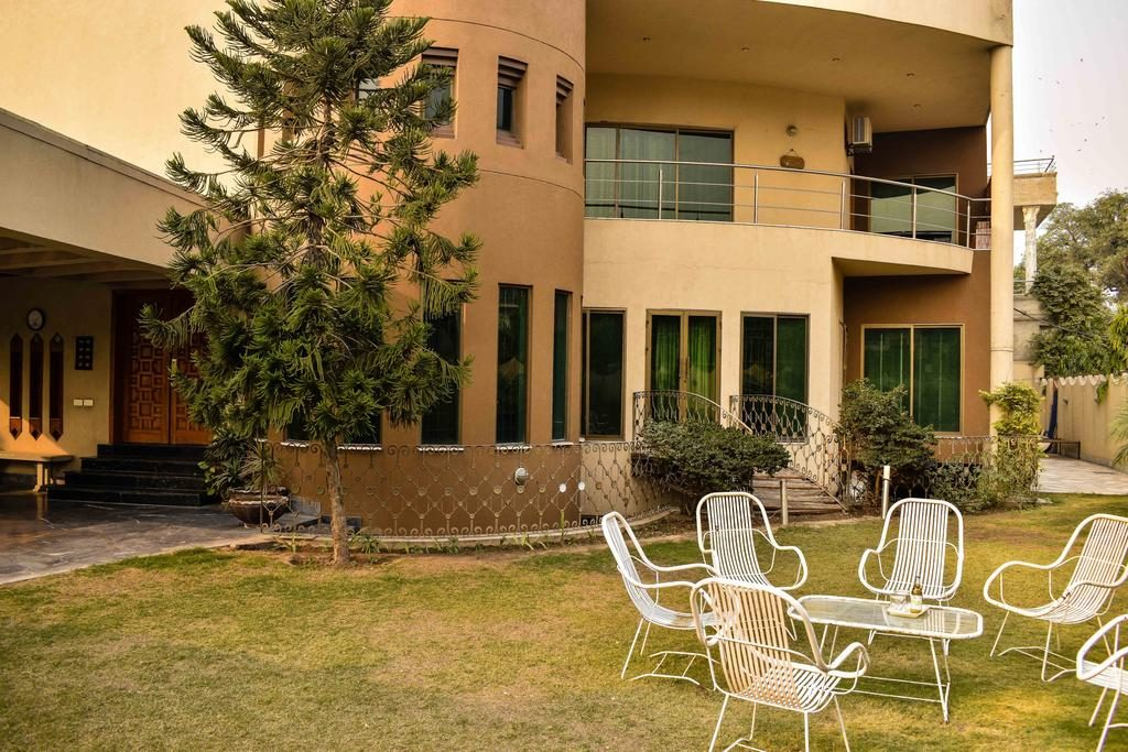 home stay hotel lahore