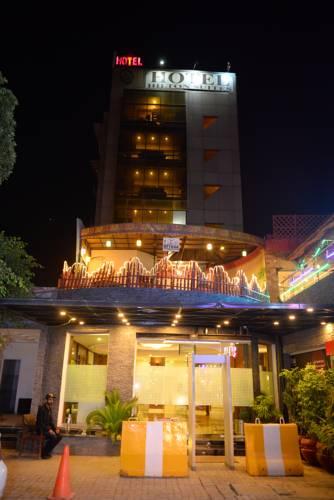 hotel hilton suites lahore