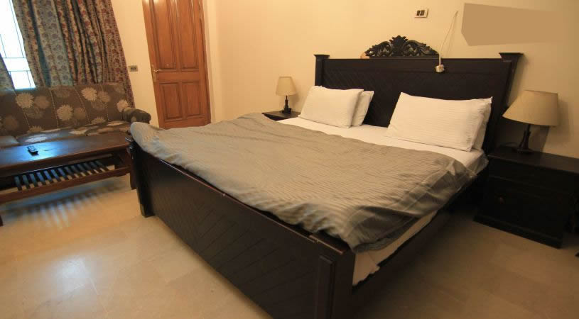 Royal-guest-house- Lahore